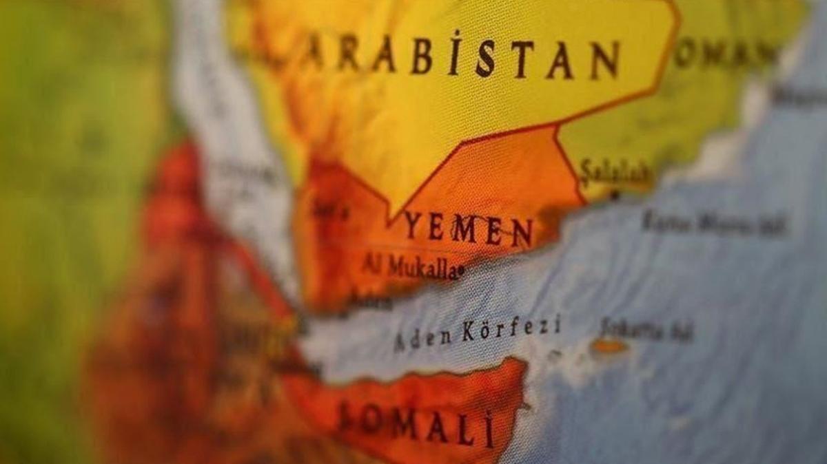Yemen'de yeni hükümetin bakanları görevlerine başladı