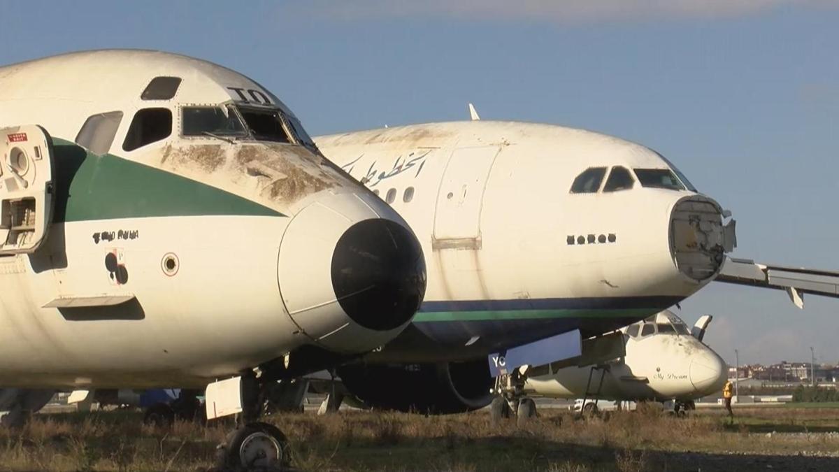 Atatürk Havalimanı'ndaki hurda uçaklar satışa çıkarıldı