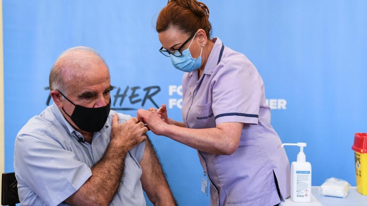 Malta Cumhurbaşkanı Vella, canlı yayında koronavirüs aşısı oldu