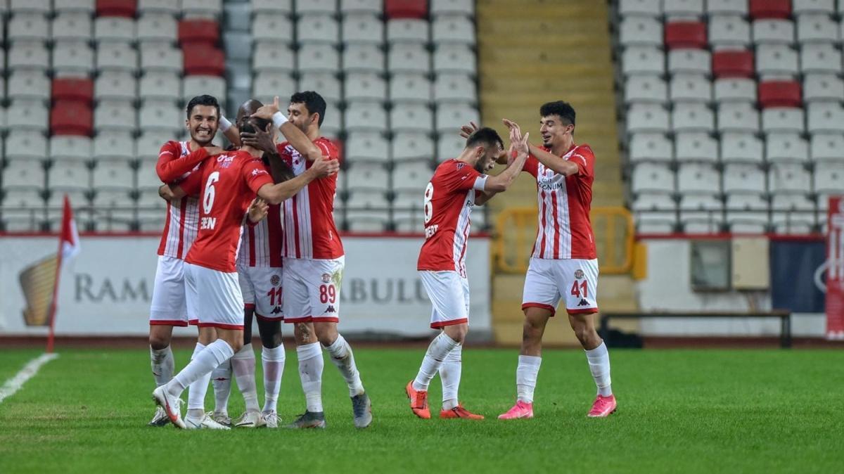 Antalyaspor 3'ledi 3 maç sonra galip geldi