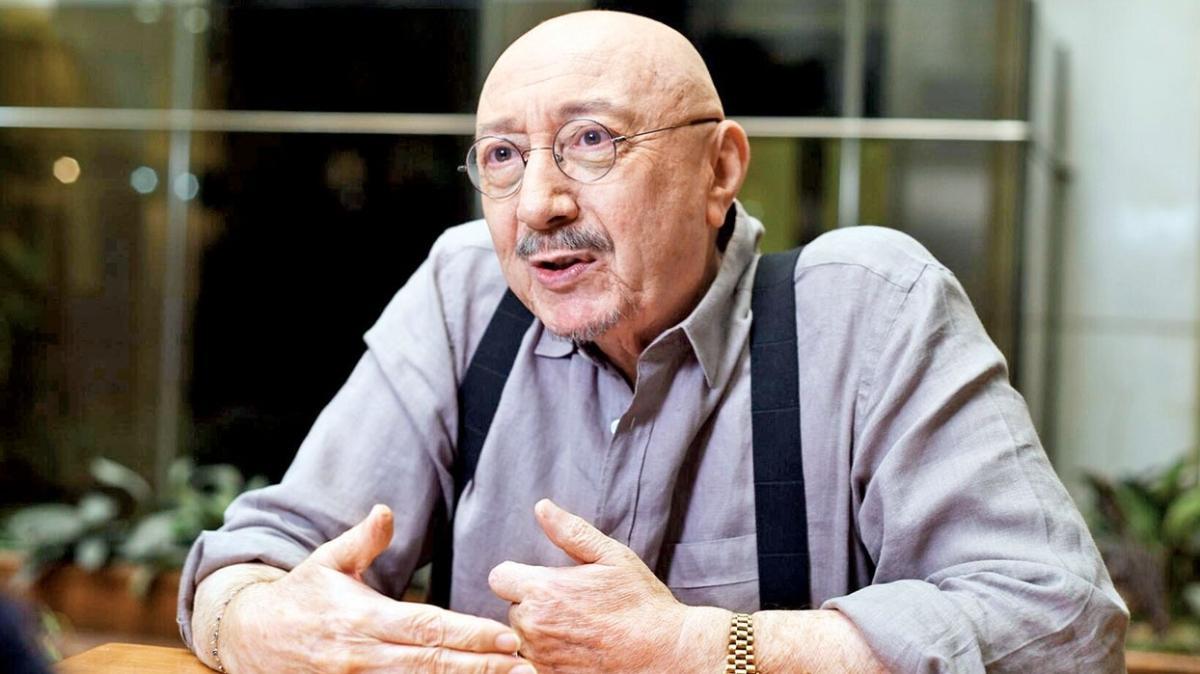 """Başkan Erdoğan'ın elinden ödülünü alan Özdemir Erdoğan'dan eleştirilere yanıt: Kimden alacaktım"""""""