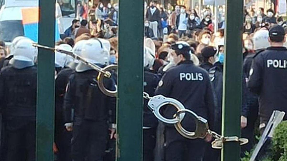 Boğaziçi Üniversitesi kapısına kelepçe takılması ile ilgili inceleme başlatıldı