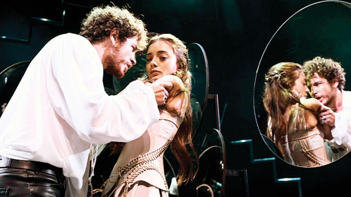 Dijital sahnede Hamlet var