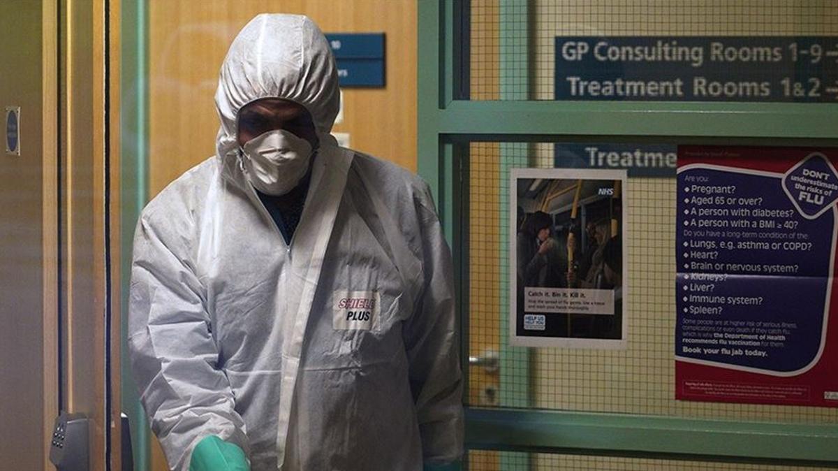 İngiltere'de koronavirüs bilançosu  ağırlaşıyor