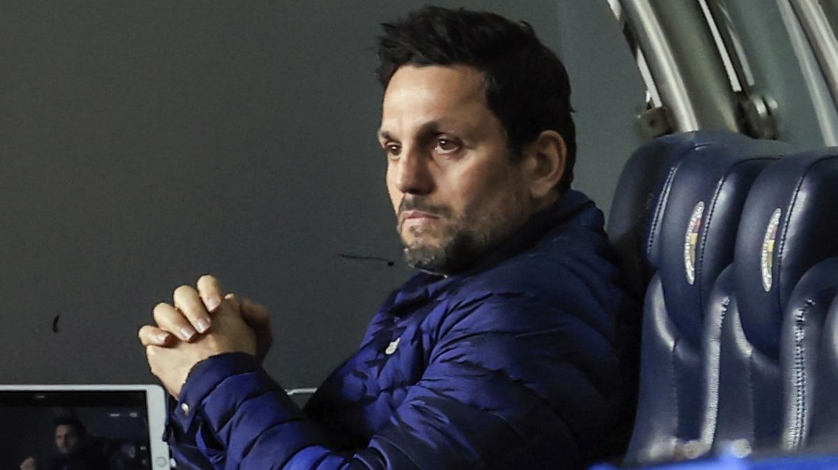 Fenerbahçe Teknik Direktörü Erol Bulut taktik değiştirdi