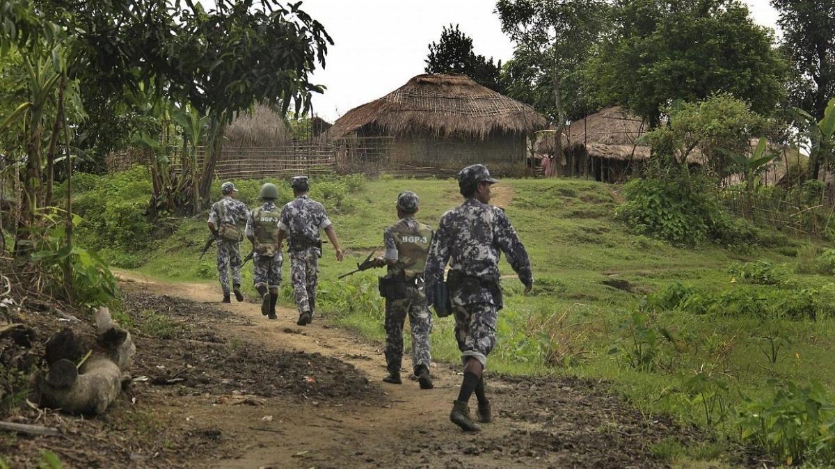 """Birleşik Krallık'tan Facebook'a çağrı: """"Myanmar ordusunun üye toplamasına engel ol"""""""