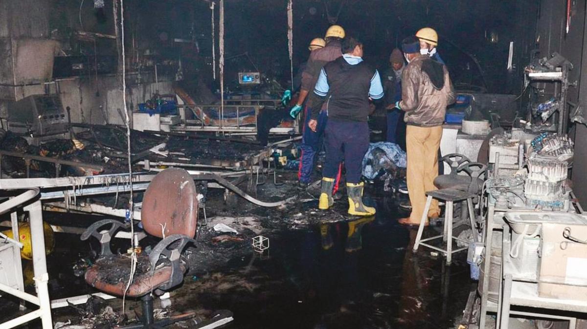 Hastanede çıkan yangında 10 bebek yanarak öldü