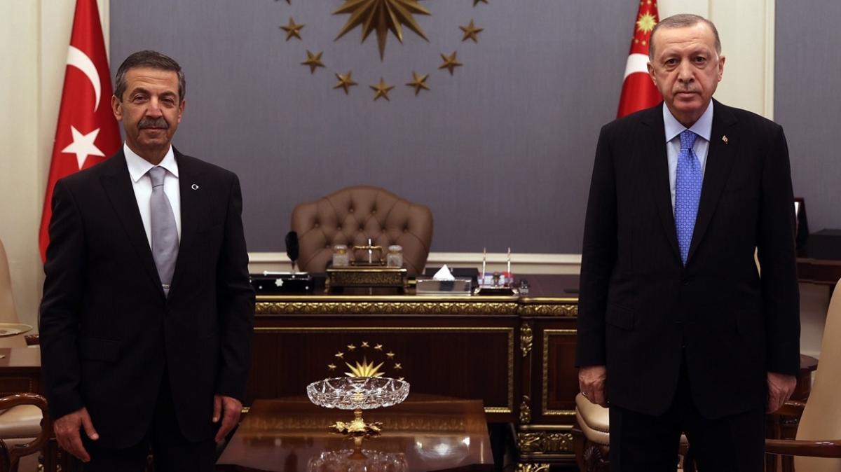 Başkan Erdoğan, KKTC Dışişleri Bakanını kabul etti