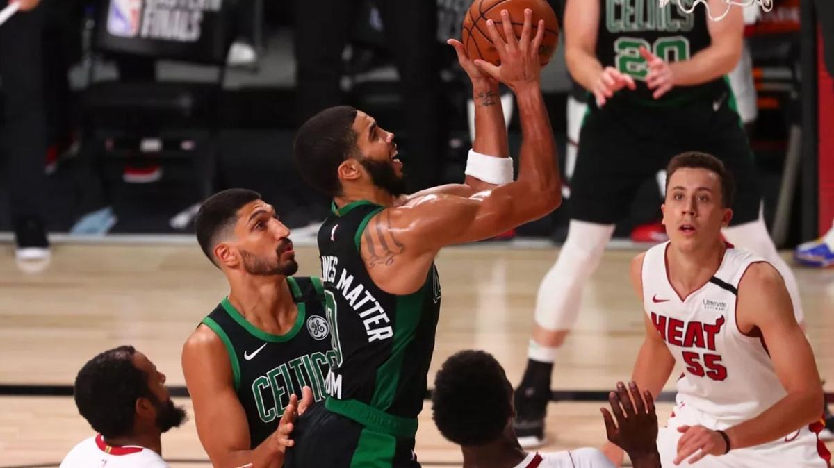 Boston Celtics-Miami Heat mücadelesine koronavirüs ertelemesi