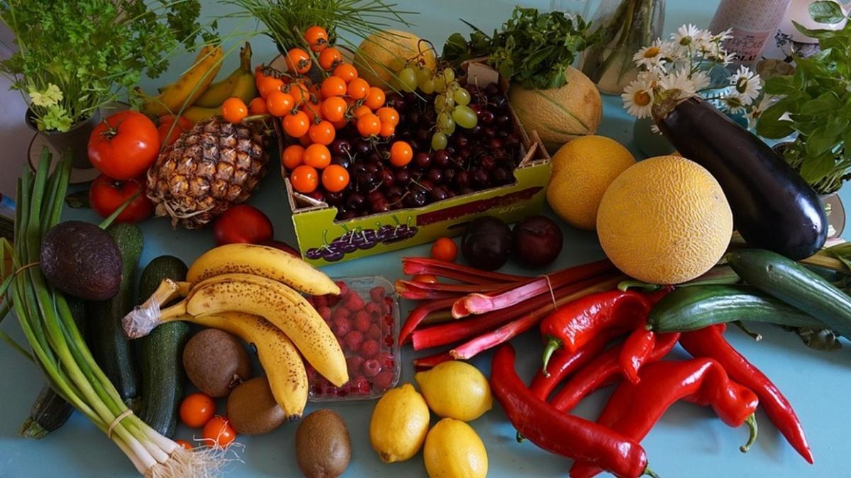 Meyve ve sebzelerde her renk başka bir şifa anlamına geliyor