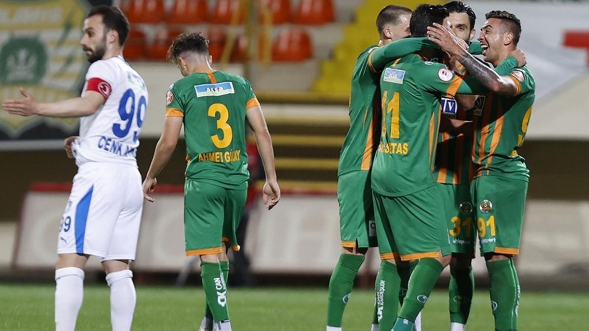 Alanyaspor Erzurumspor'u yenerek kupada çeyrek finale yükseldi