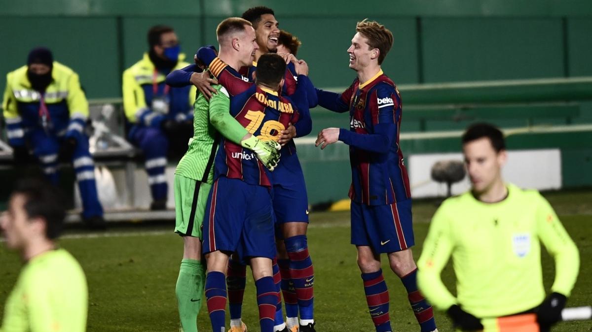 Messi'siz Barcelona, İspanya Süper Kupası'nda finale yükseldi