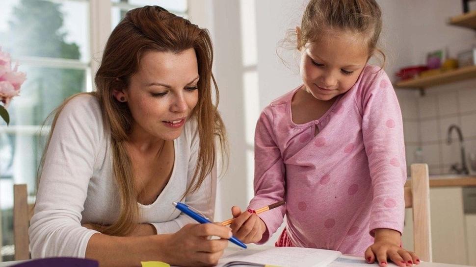 Çocuklara evde İngilizce öğretmenin 6 kolay yolu