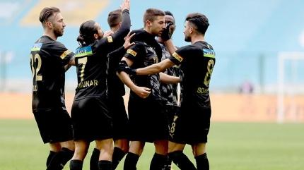 Göztepe galibiyet hasretini Konyaspor deplasmanında dindirdi