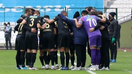 Göztepe'de galibiyet sevinci: Maçı büyük bir zaferle bitirdik