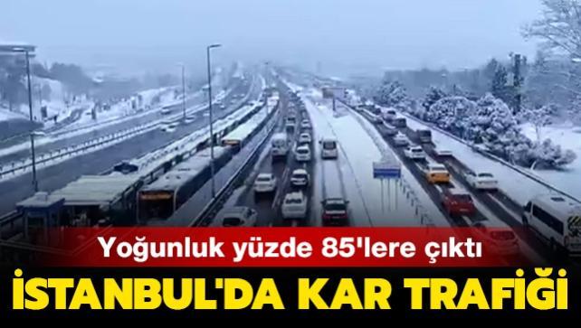 İstanbul'da kar trafiği: Yoğunluk yüzde 85'lere çıktı