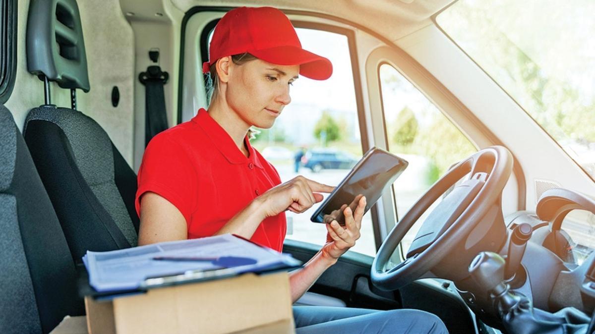 Ehliyeti olan herkes başvurabilir! Talep arttı, kargocular kadın çalışan arıyor