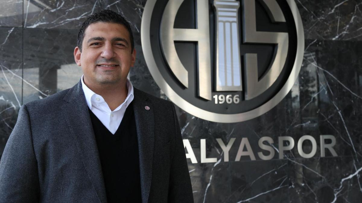 Antalyaspor Kulübü Başkanı Ali Şafak Öztürk, görevinden istifa etti
