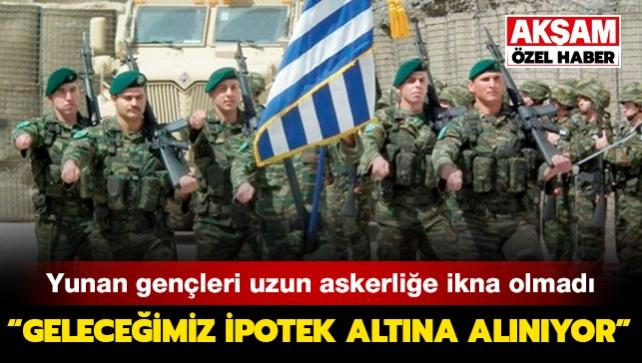 Yunan gençleri uzun askerliğe ikna olmadı