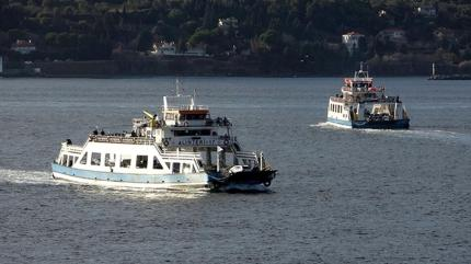 Bazı feribot hatlarında seferler iptal edildi