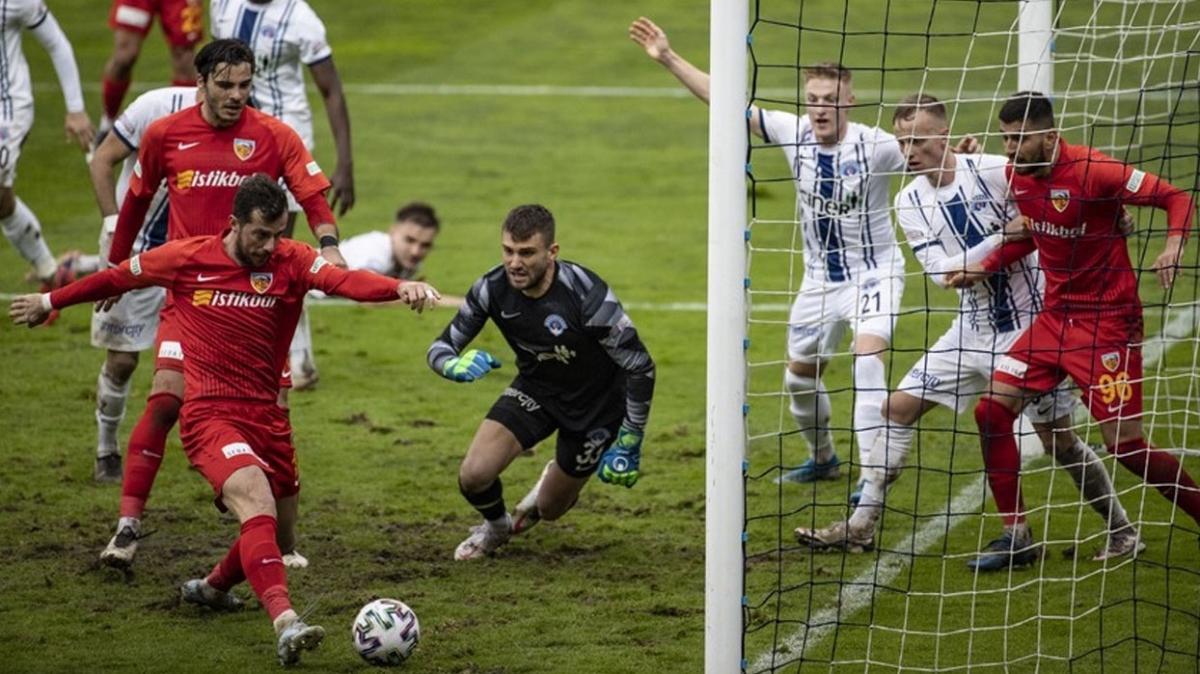 Kayserispor Kasımpaşa'yı son dakika golüyle yıktı