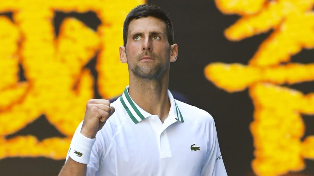 Avustralya Açık'ta Novak Djokovic zorlansa da turladı