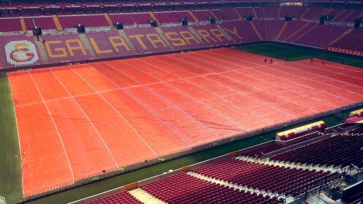 Galatasaray'da beklenen kar yağışı için hummalı çalışma