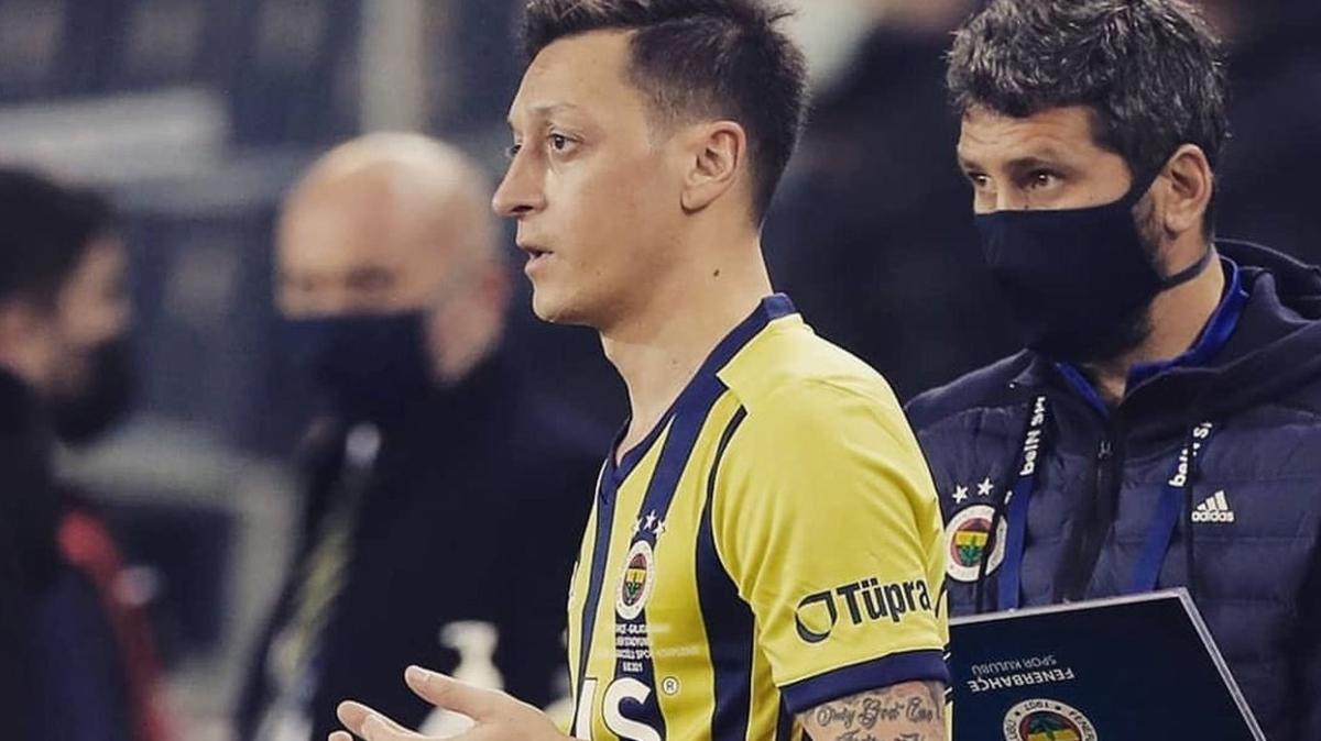 Arsenal'dan Mesut Özil açıklaması: Uygur Türkleri...