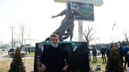 Bursaspor'da Batalla heykelinin açılışı yapıldı