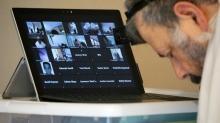 Uzmanlar online toplantıların 'Zoom tükenmişliği'ne yol açtığını belirtti