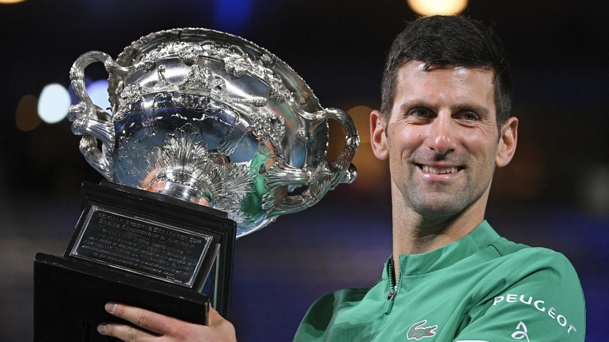Novak Djokovic, Federer'in rekorunu kırdı