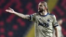 Fenerbahçe'de Caner Erkin'le ilgili nihai karar verildi