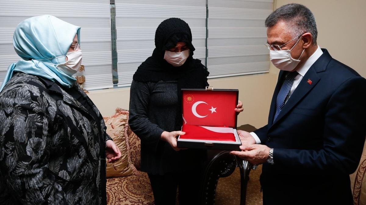 Cumhurbaşkanı Yardımcısı Fuat Oktay'dan şehit Korgeneral Erbaş'ın ailesine taziye ziyareti