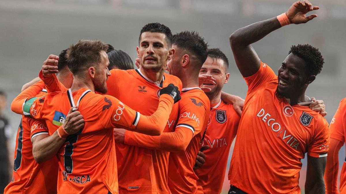 Medipol Başakşehir, son nefeste: 3-1