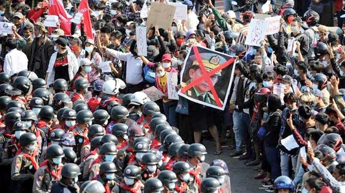 Cunta eylemcileri idama da başladı