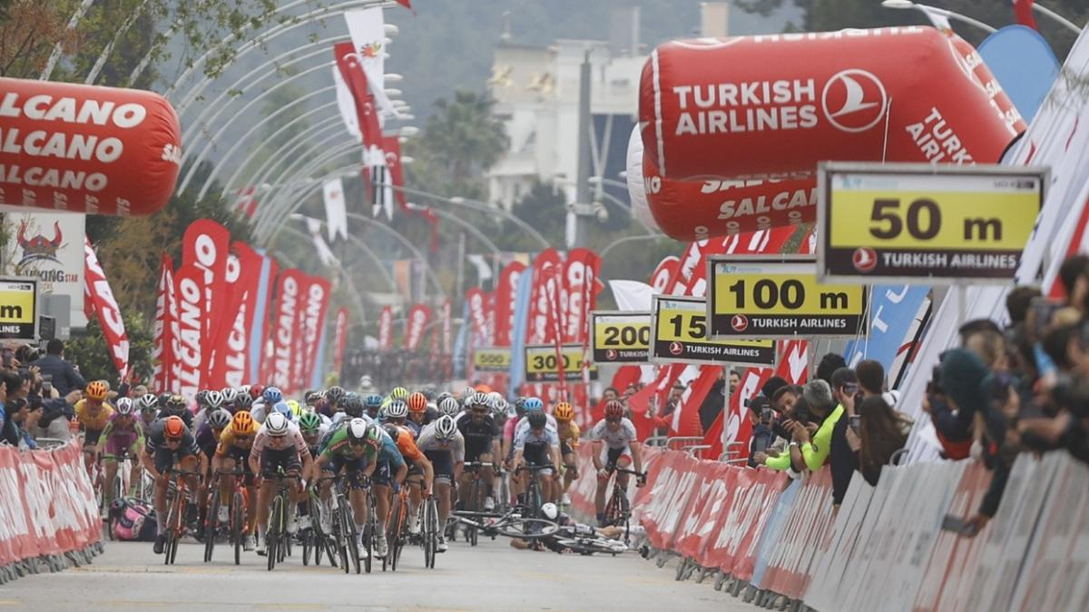 Cumhurbaşkanlığı Türkiye Bisiklet Turu'nda finişte kaza yaşandı