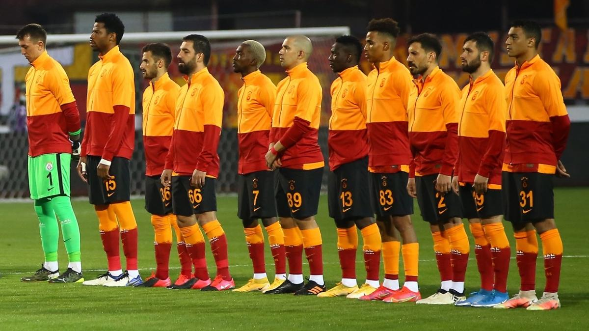 Galatasaraylı futbolcular Başkan Cengiz için ortak bildiri yayınlayacaktı