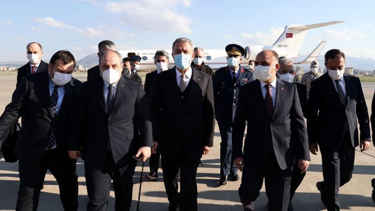 Milli Savunma Bakanı Akar ile Sanayi ve Teknoloji Bakanı Varank, Kayseri'de