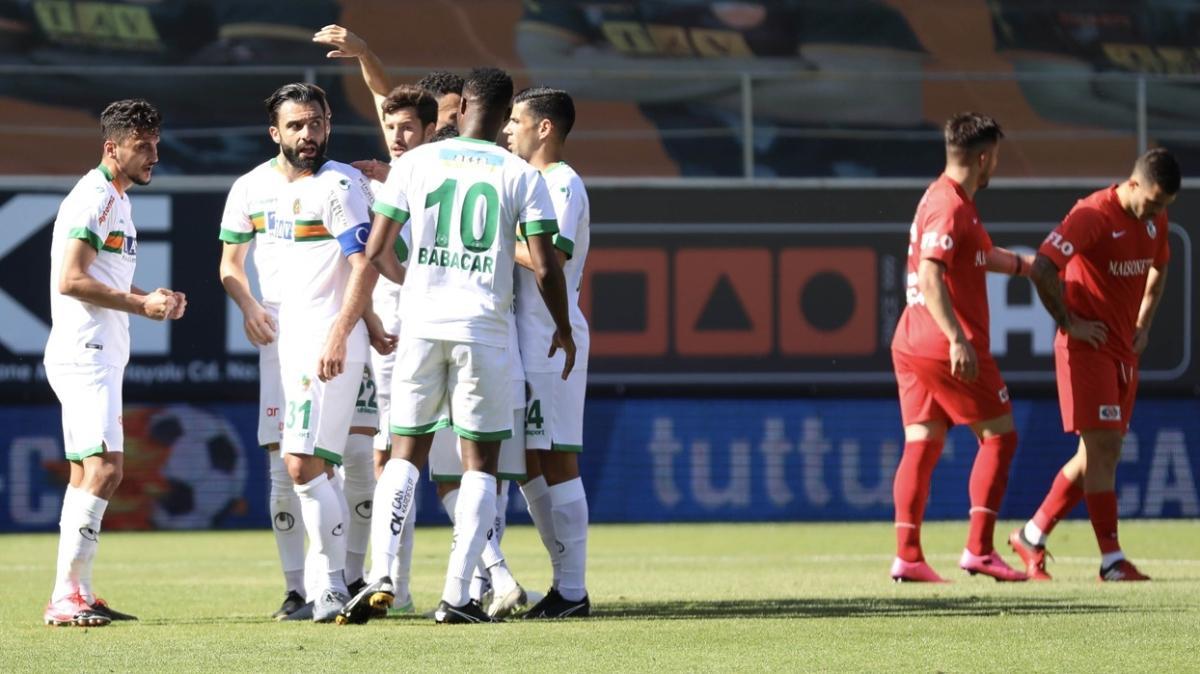 Alanyaspor sahasında Gaziantep FK'yi 3-2 mağlup etti