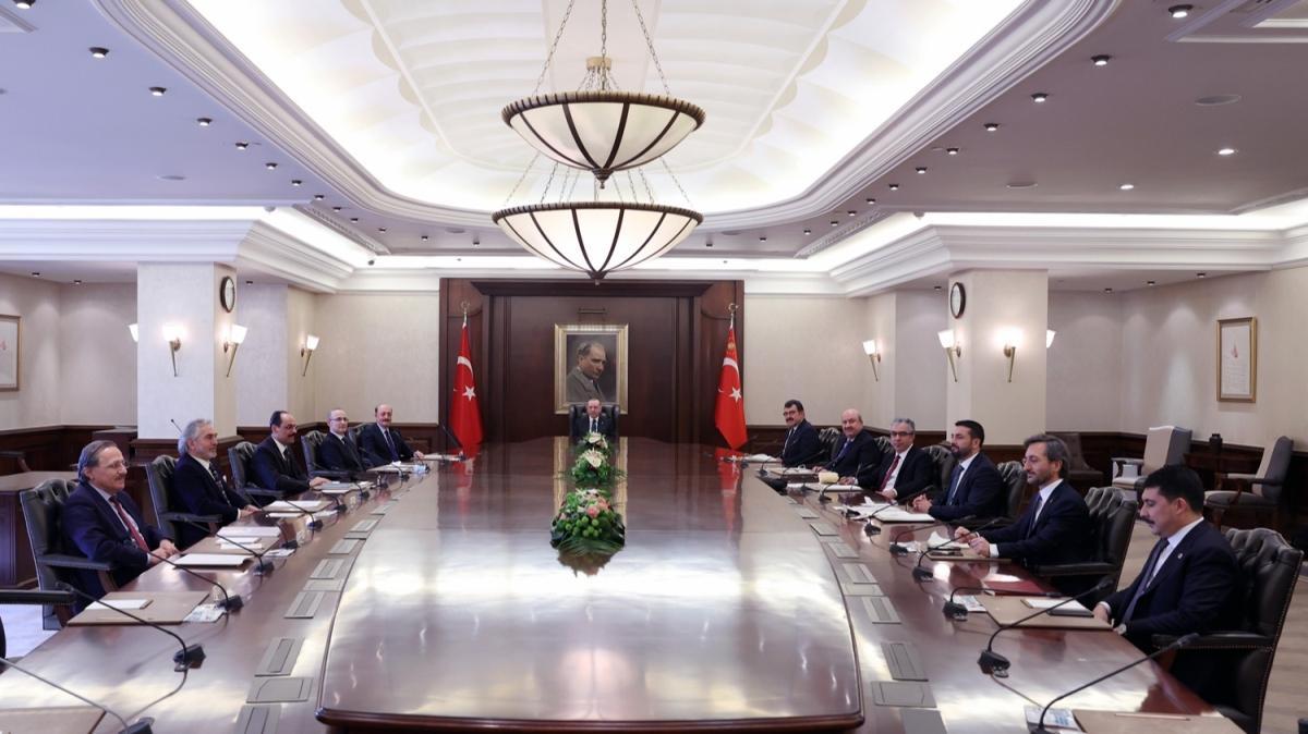 Başkan Erdoğan, Cumhurbaşkanlığı Politika Kurulu Başkanvekillerini kabul etti