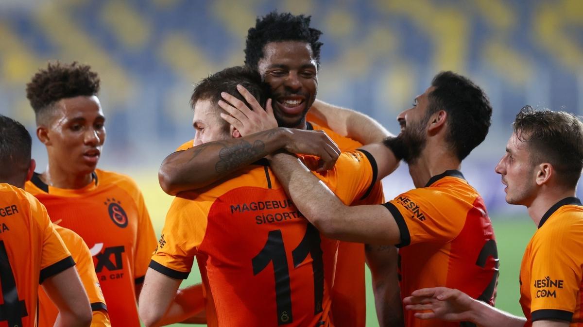 Galatasaray'ın pes etmeye niyeti yok! 0-2
