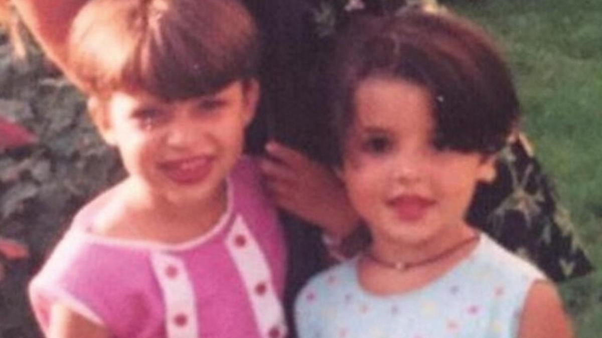 """Bu iki minik kızı tanıdınız mı"""" Milyonlarca kişi onları takip ediyor"""