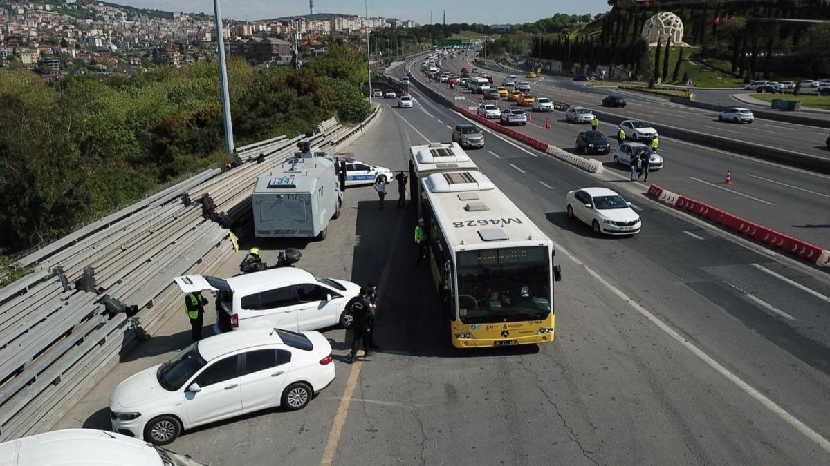 15 Temmuz Şehitler Köprüsü'ndeki denetime çevik kuvvet de katıldı