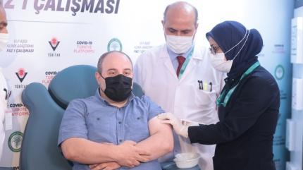 Bakan Varank 2. doz yerli aşıyı yaptırdı