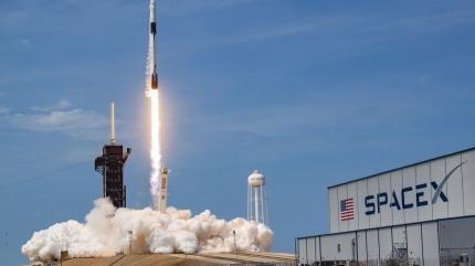 SpaceX 60 yeni uydu daha uzaya fırlattı