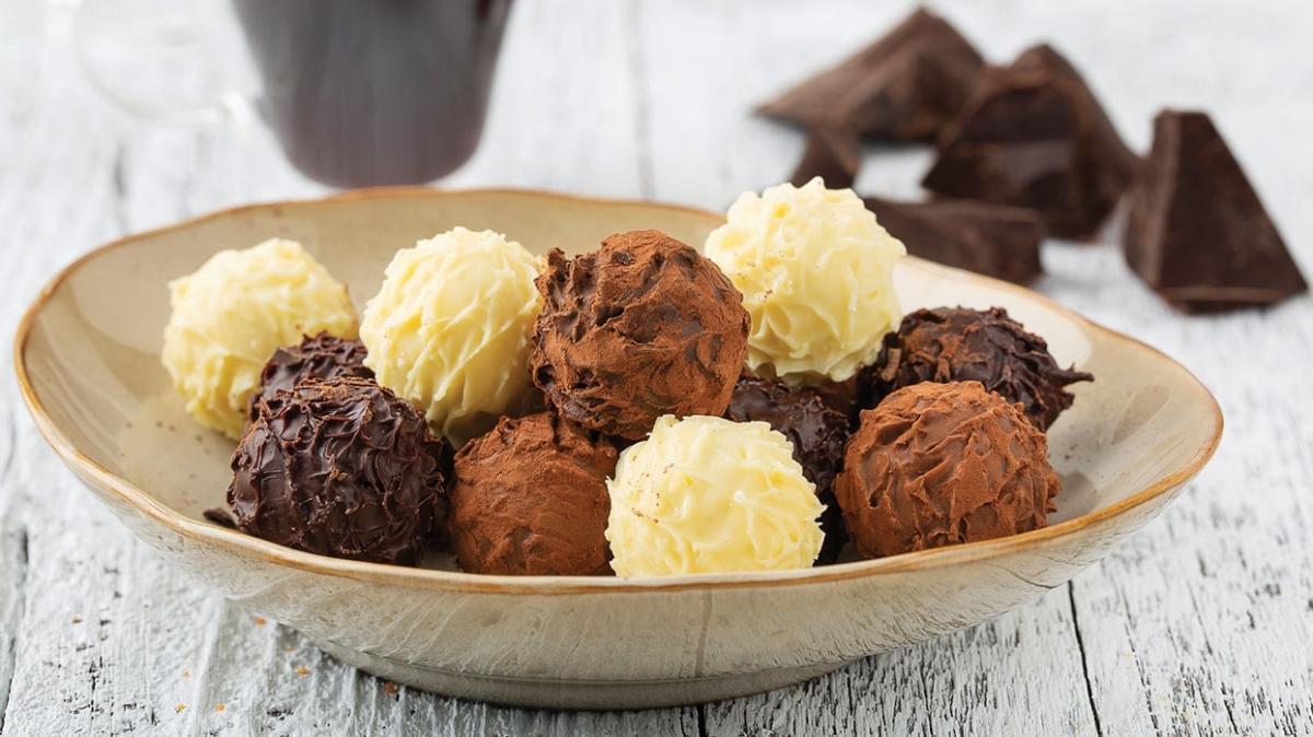 """Bugün ne pişirsem"""" Truffle bayram çikolatası tarifi ve malzemeleri! Truffle bayram çikolatası nasıl yapılır"""""""
