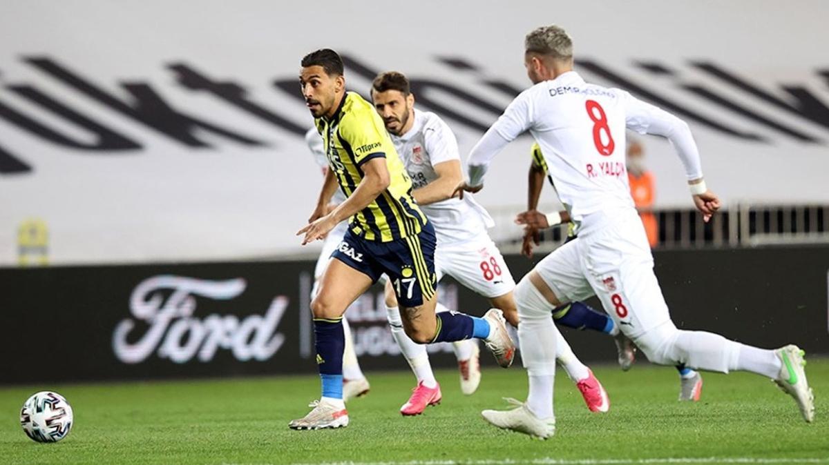 Fenerbahçe'ye bir şok da İrfan Can Kahveci'den geldi