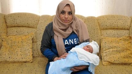 Hastaneye giderken takside doğum yaptı
