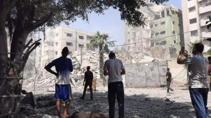 İsrail Gazze'de sağlık merkezini vurdu