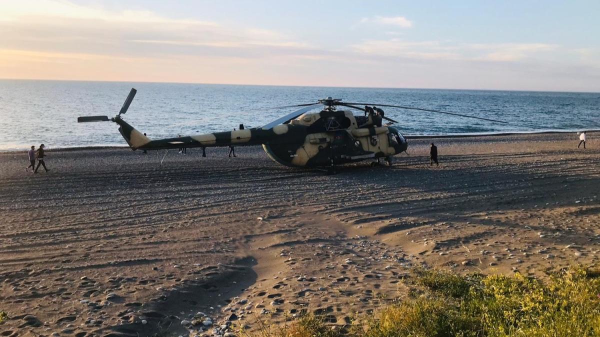 Azerbaycan'a ait askeri helikopter Giresun sahiline zorunlu iniş yaptı